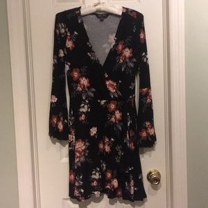 (S) American Eagle Floral Dress